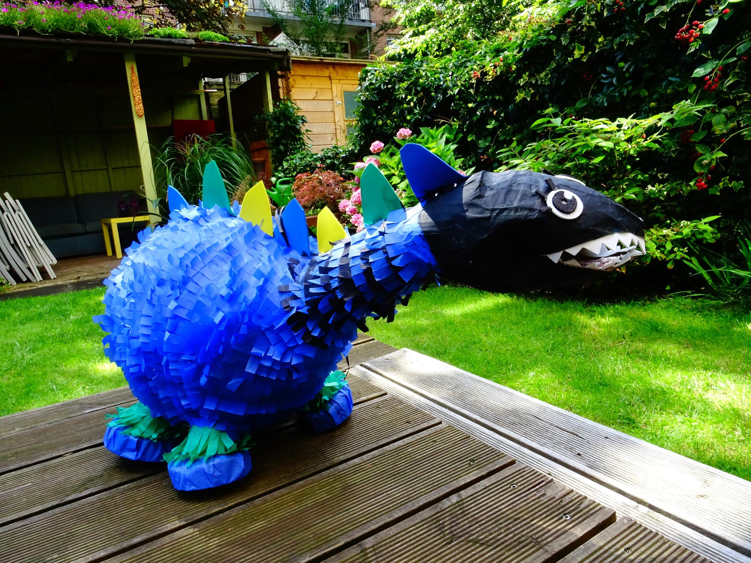Thema pinata dinosaurus